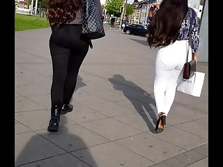 2 jeans asses nice