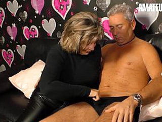 Bush-leaguer EURO - Deutsche Amateur Karin A. Has Sex For Along to First Time On Camera