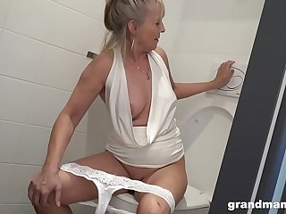 Flaxen-haired granny puts WC go over up young boys asshole