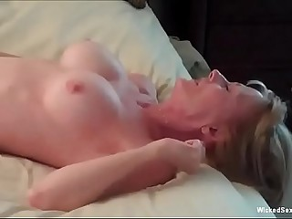 Anal Threesome Be advantageous to Horny Granny